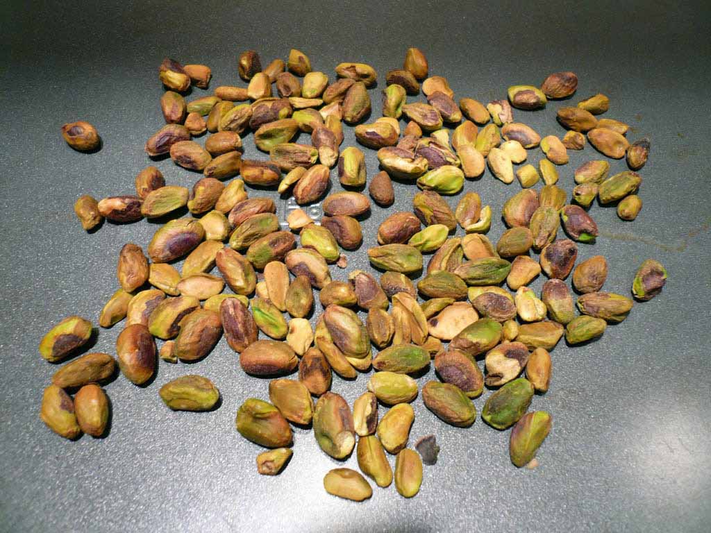 Toasting pistachios in the oven