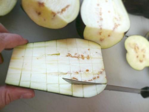 Scoring the eggplant