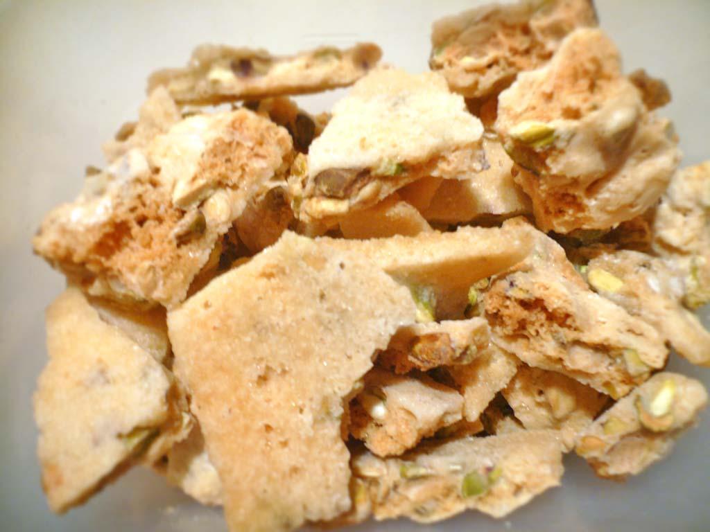 Home-made pistachio brittle